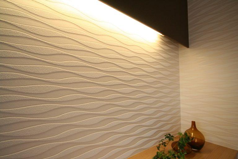 フロック加工の立体壁紙を使用した例